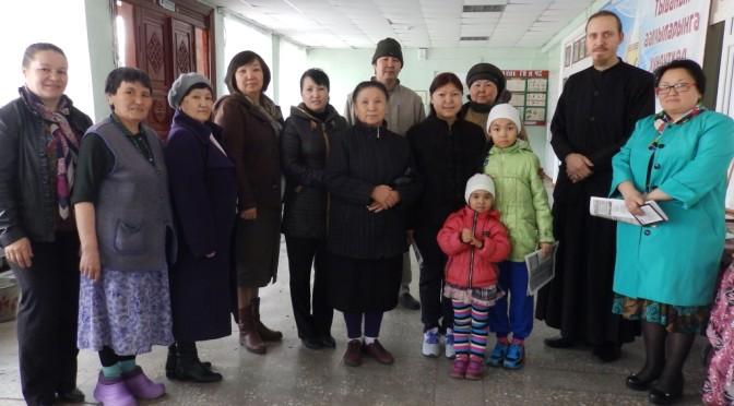 Представитель епархии посетил Пасхальную выставку в ДК Хову-Аксы